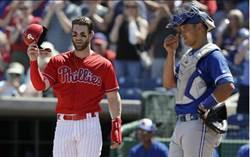MLB》哈波費城人首秀 投手不敢對決