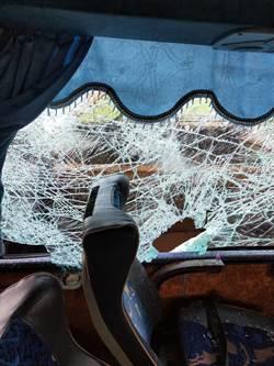 影》影片曝光!國道遊覽車翻覆33傷 8旬婦「留一口氣」回家了