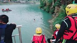 有顆頭在水裡漂?男子疑輕生跳碧潭身亡