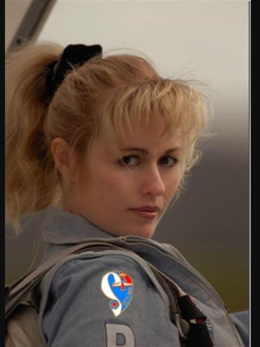 全盛時期的沙凡娜‧卡帕琳娜,是世界最優秀的女特技飛行員。(圖/pinterest)