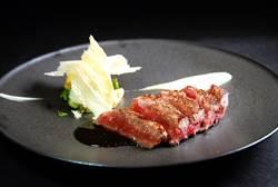 台灣美味「出航」 台北萬豪鐵板燒主廚登星夢郵輪客座創先例
