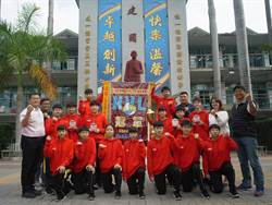 建國國中女排隊制霸全國 用冠軍獎盃為雲林縣寫歷史