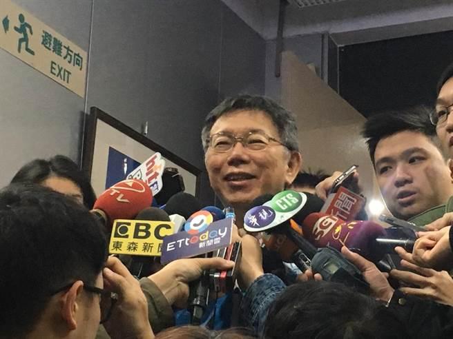 台北市長柯文哲13日出面受訪。(吳堂靖攝)