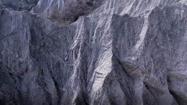牛埔獨特的月世界景觀(圖/台客劇場)