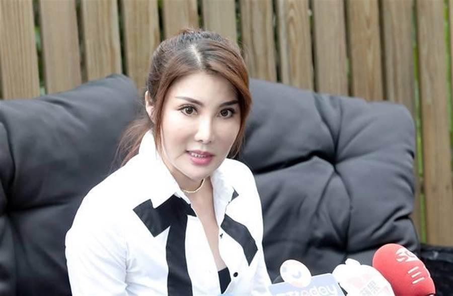 楊麗菁目前努力拚雙碩士論文,希望身為公眾人物能有正面力量。(圖/本報系資料照片)