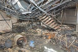 製毒工廠搜索前爆炸 警方灰燼中找線索