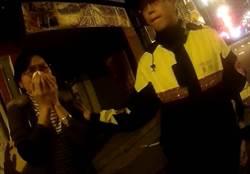 婦人開車撞死黑貓驚嚇痛哭  警民合作助返家