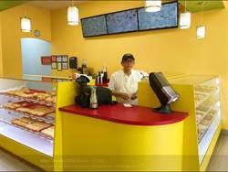 爸甜甜圈店沒人光顧 兒子一張照片讓全家發大財
