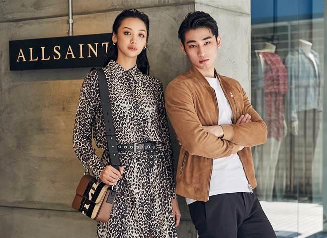 章廣辰(右)穿的AllSaints  Kemble麂皮飛行員夾克1萬8500元,傅昱的AllSaints  Anya Feline豹紋洋裝6600元。(品牌提供)