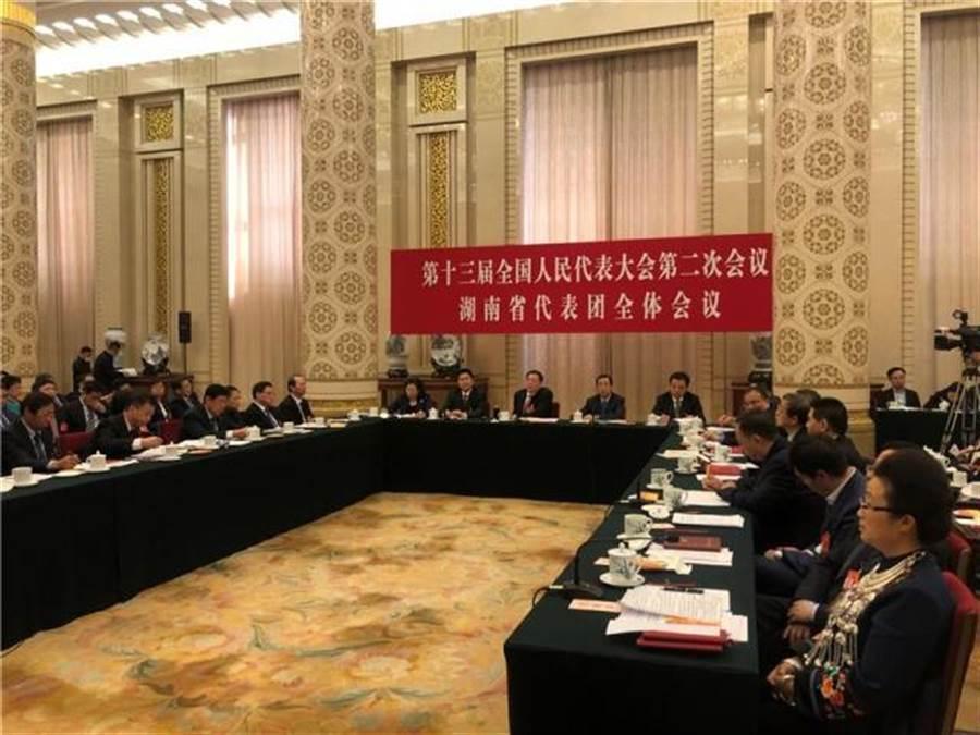大陸全國人大湖南代表團7日開放中外媒體採訪全體會議。(陳君碩攝)