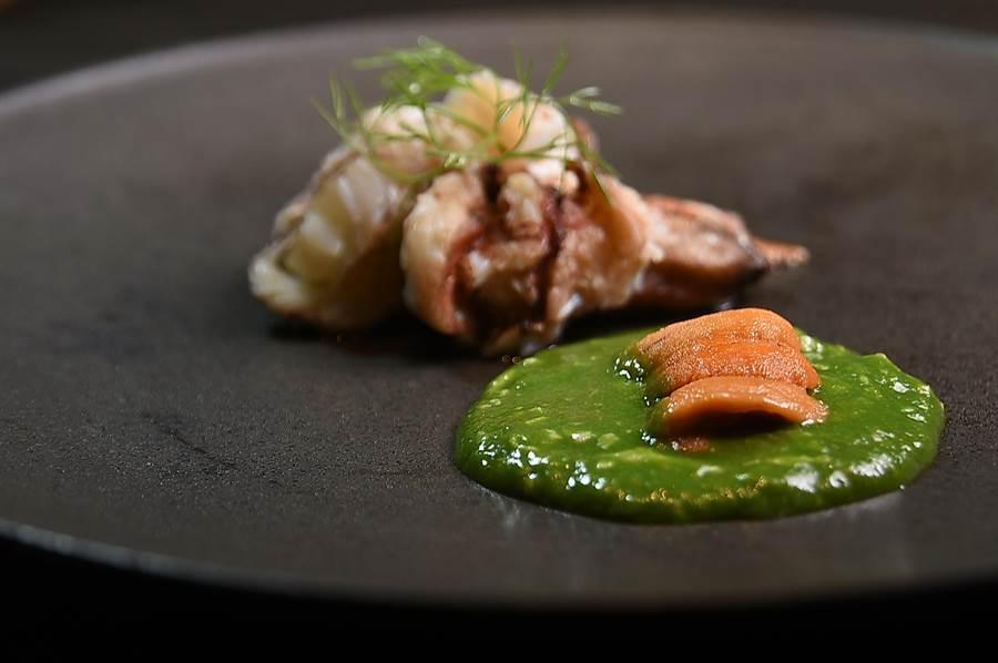 每種食材各有提味或賦味醬汁,且呈盤精美吸睛,這是Mark's Shabu的特色。(圖/姚舜)