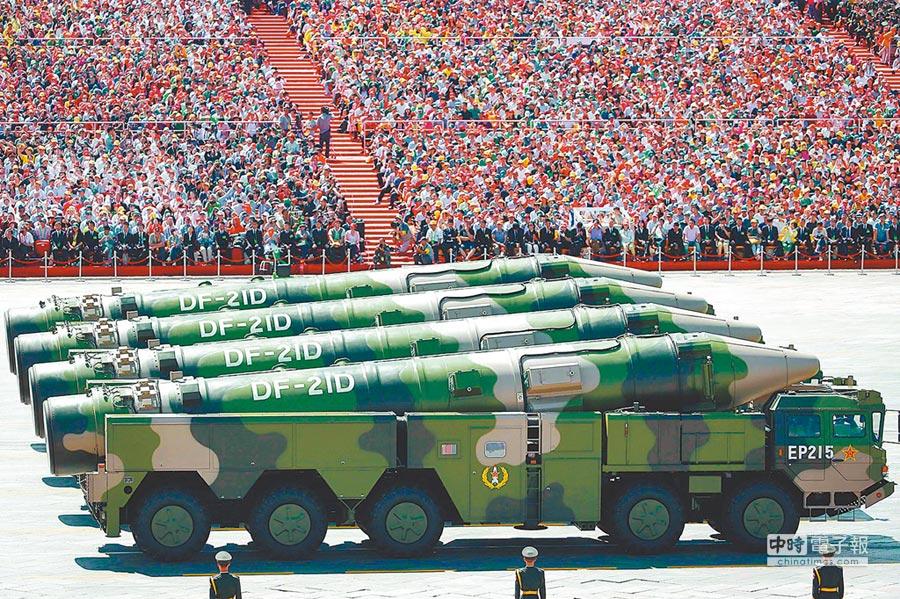 東風-21D彈道飛彈發射車。(中新社資料照片)