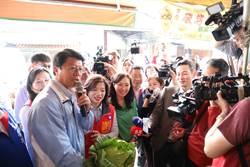 影》大小佳芬合體謝龍介 麻豆市場攤販熱情相迎