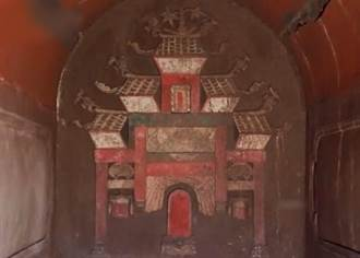 明代夫妻古墓出土 壁畫刻繪精美色彩如新
