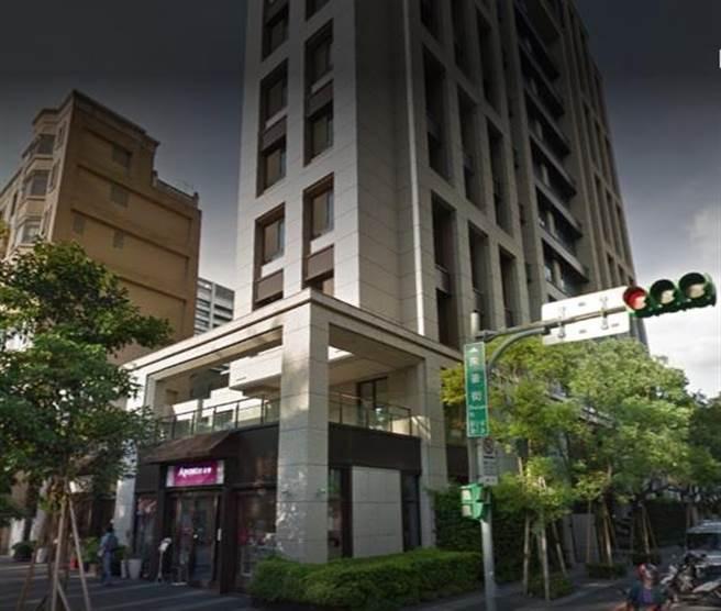 北市朱崙街豪宅「鈞藏」。(圖/翻攝Google map)