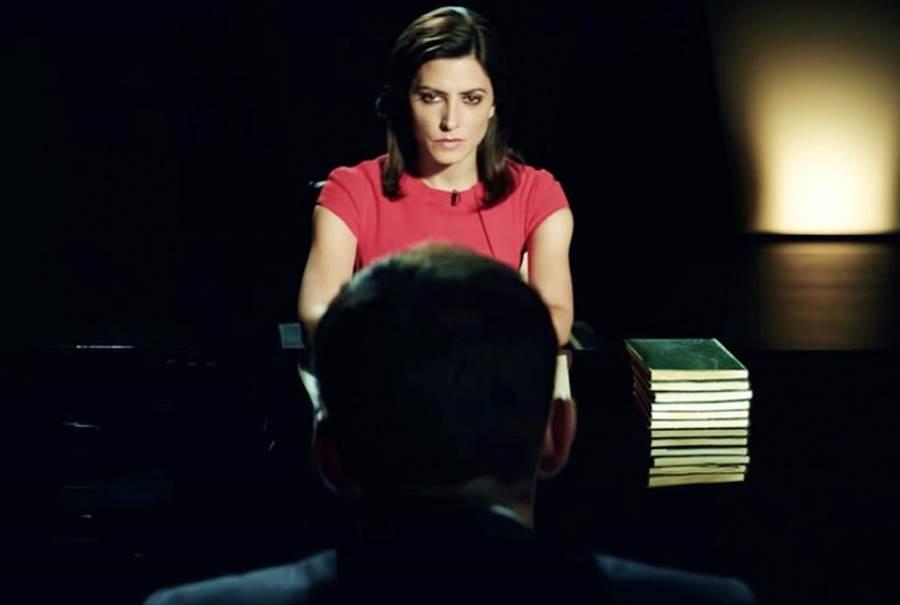 巴巴拉蘭妮在新片《騙局》飾演正義女記者,與貪婪政客針鋒相對。(海鵬提供)