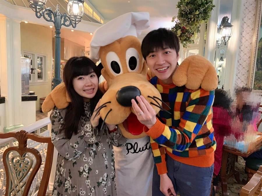 江宏傑(右)30歲了很有感觸,找福原愛討拍卻踢到鐵板。(臉書翻攝)