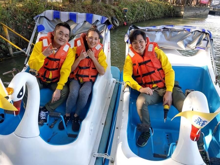 江國賓(左起)、張本渝與孫協志日前出外景闖關玩遊戲。(圖片提供:中視)