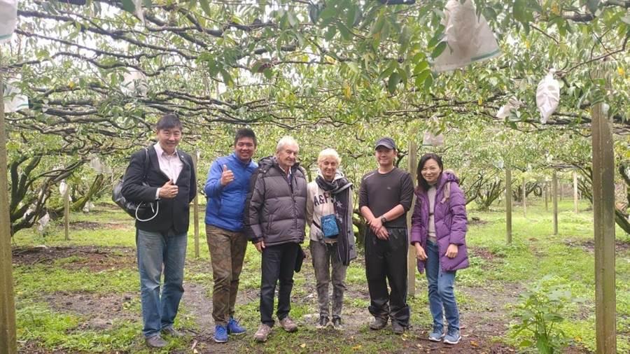 法國紅島BDL果醬的創辦人Brigitte抵台灣參訪,對苗栗農產讚賞有加。(何冠嫻翻攝)