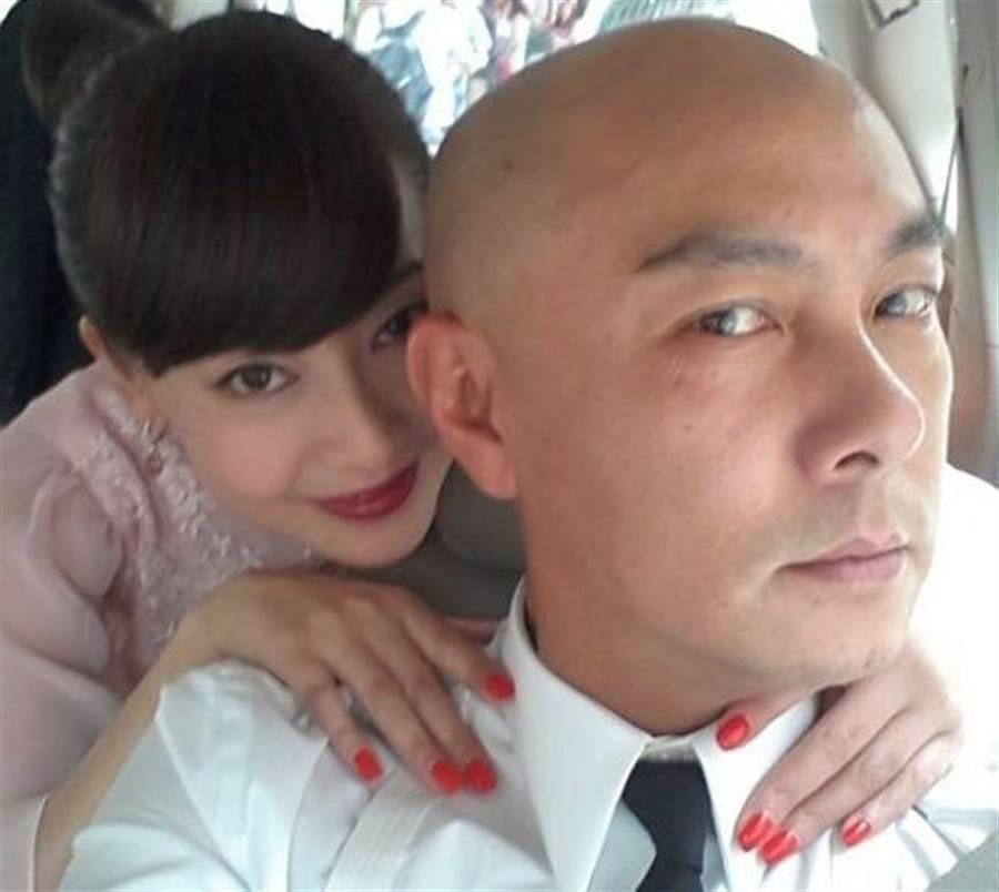 張衛健與妻子張茜感情恩愛。(取自張茜微博)