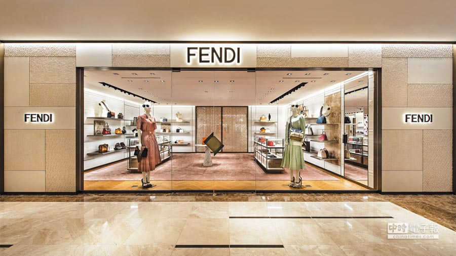 FENDI精品店空間寬敞明亮,創造全新購物體驗。(FENDI提供)