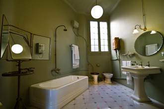 恐怖!浴室這個不處理 正妹臉爛腎感染險喪命