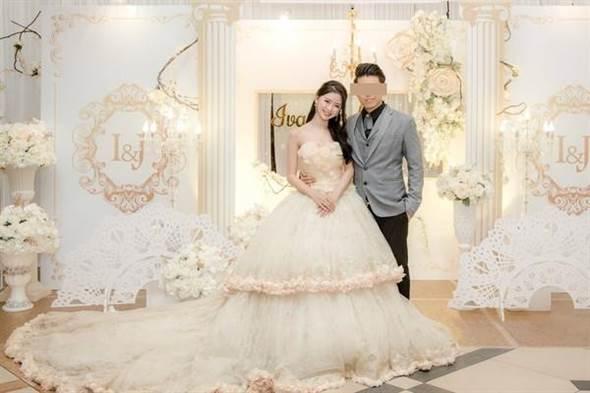 去年在林明禎公開認愛張軒睿時,另一位大馬女神蔡卓宜也被爆出結婚消息。(圖/翻攝自網路)