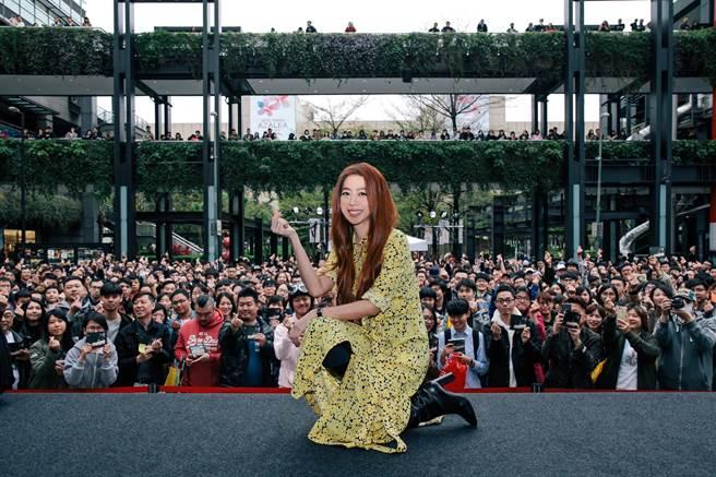 陳綺貞相隔五年在信義區辦簽唱會。(添翼提供)