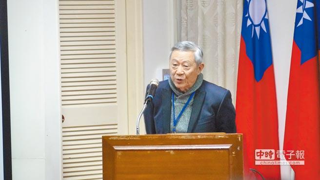 淡江大陸所名譽教授趙春山。(記者潘維庭攝)