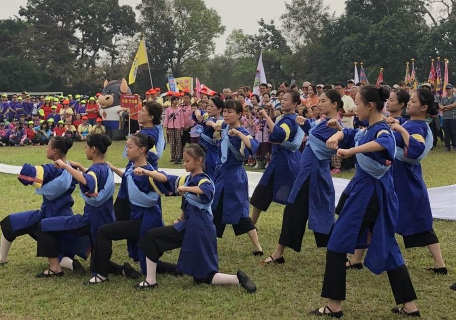 第54屆六堆運動會16日在內埔國中盛大開幕。(謝佳潾攝)