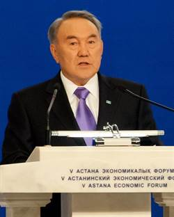 哈薩克斯坦總統突然宣佈辭職