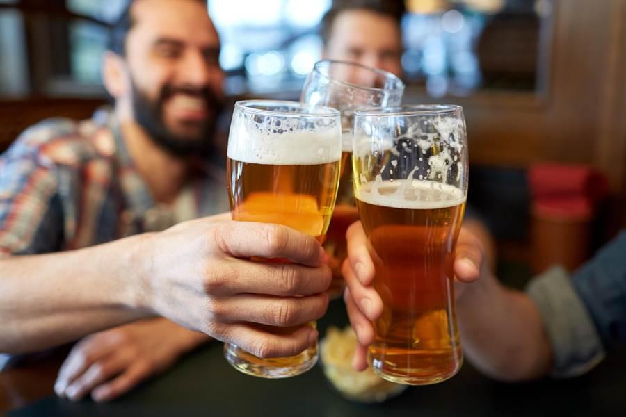不吃東西每日喝5杯啤酒 超狂效果讓他驚呼(示意圖/達志影像)