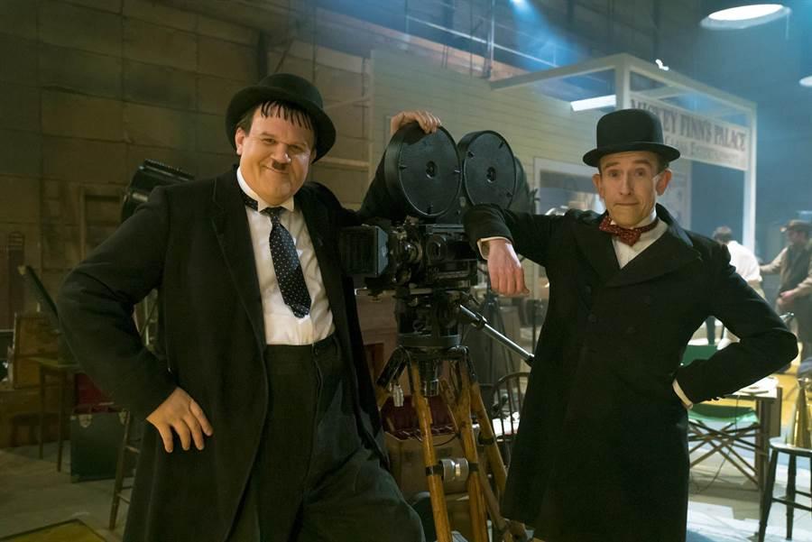 約翰萊利(左)、史帝夫庫根花費四週時間成就完美演出默契。(采昌提供)