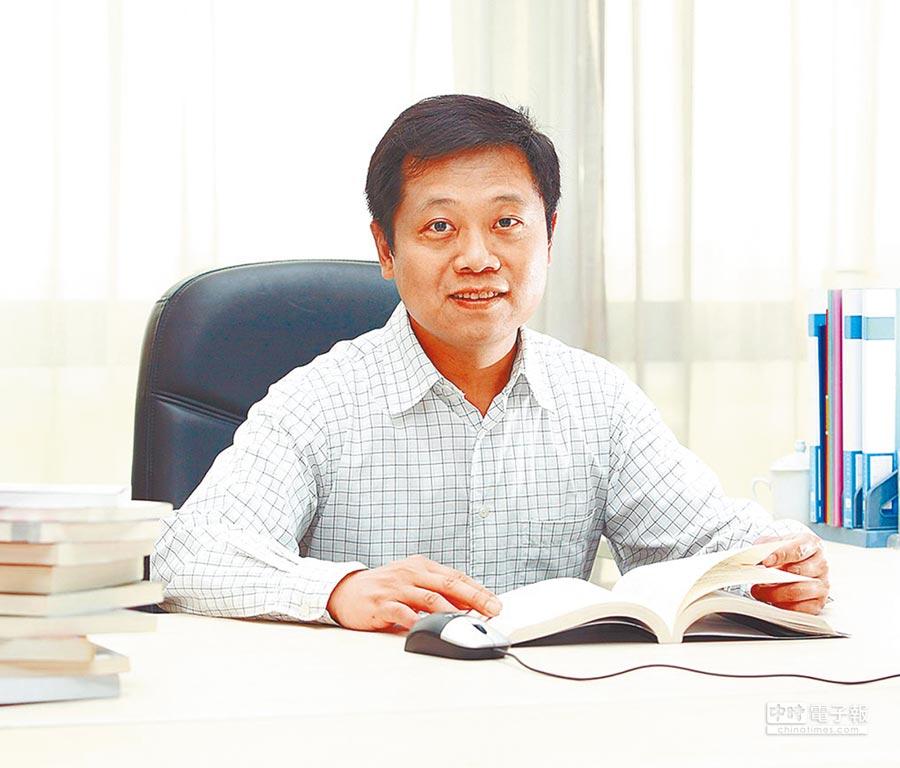 上海華東師範大學企管系副教授陳弘信。(陳弘信提供)