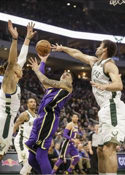 NBA》少了詹姆斯坐鎮 湖人不敵公鹿吞4連敗