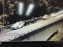 騎重機誤上國道  國警雪隧口前即時攔下
