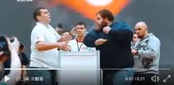 不愧戰鬥民族!俄巴掌大賽 冠軍一掌呼暈挑戰者