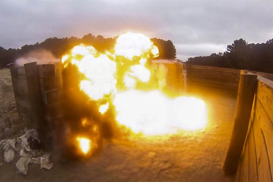C-4炸藥威力大,殘留物少,是軍隊最常使用的炸藥。(圖/美國空軍)