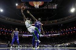 NBA》打架了!史馬特推倒恩比特遭驅逐