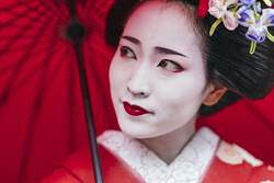 古代日本女人結婚 為何要剃眉、染黑齒?