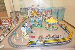 罕病青年愛樂高 爸媽打造玩具館