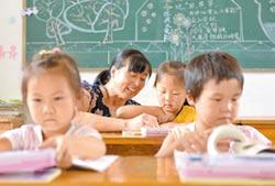 寫功課、玩3C 陸兒童睡不飽