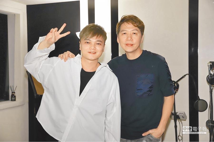 林偉龍(左)與洪敬堯昨舉辦記者會。