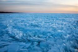 絕美「淺藍碎冰」超夢幻!彷彿真實版冰雪奇緣