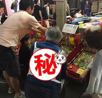 日本阿伯穿這件逛夜市 網淚讚:日本人真惜情