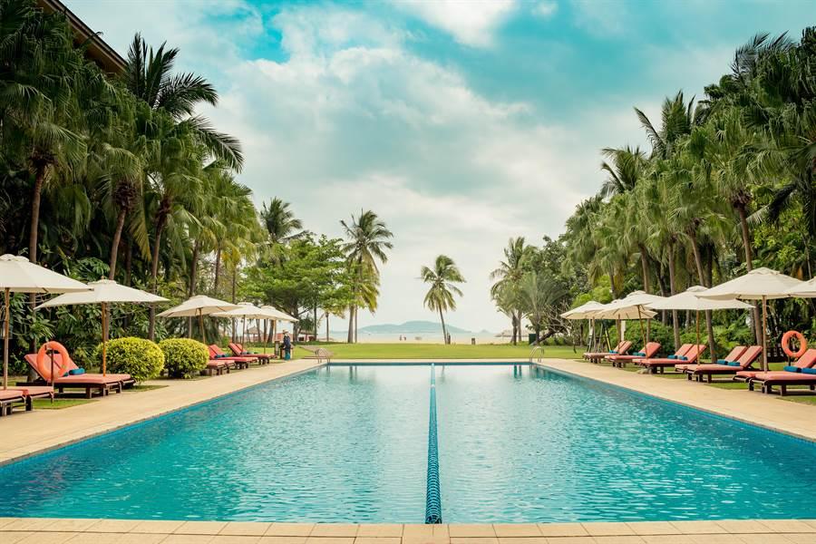 三亞四季如春、景色宜人,因此有「小夏威夷」的美名。(攝影/沈弘欽)