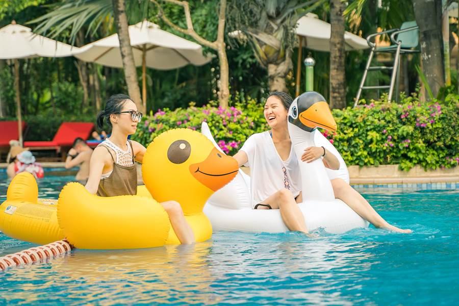在三亞Club Med海島渡假村裡,宛如身處在夏威夷海島樂園。(攝影/沈弘欽)