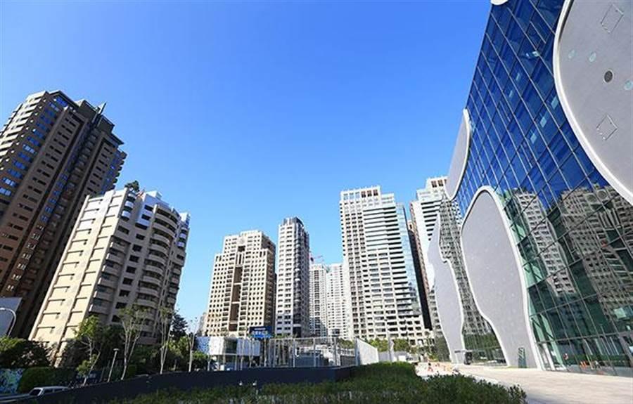 台中房地產、台中國家歌劇院、台中豪宅林立、台中七期重劃區。(圖業者提供)