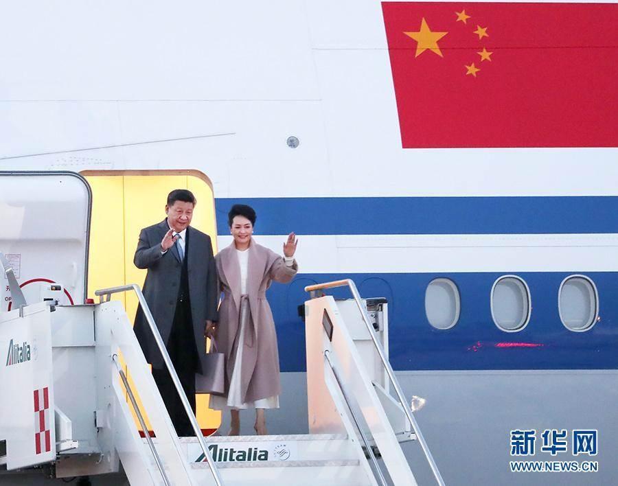 據新華社報導,當地時間3月21日,大陸國家主席習近平乘專機抵達羅馬,開始對義大利共和國進行國事訪問。(新華網)