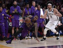 NBA》詹皇準大三元 湖人仍輸籃網無緣季後賽